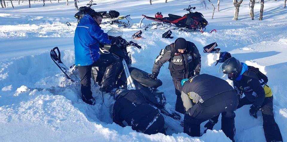 Как откопать снегоход?